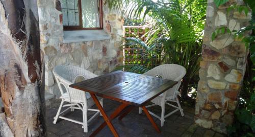 Cottage patio-min