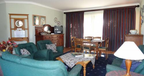 Sunbird Lounge 2