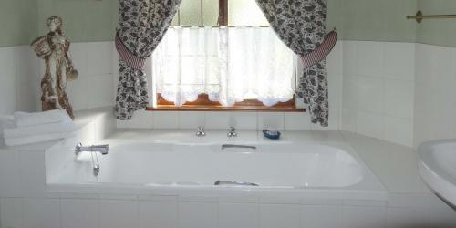 Sunbird bathroom